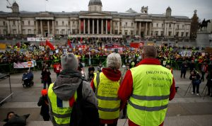 """مظاهرات لـ """"السترات الصفر"""" في لندن"""