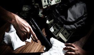 عصابة على صلة بمافيا إيطالية تغزو السوق المالية