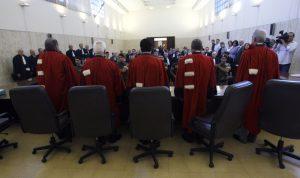 إجراءات مكافحة الفساد تُشعل حرباً بين القضاة!