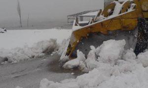 العاصفة مستمرة بعكار والبرد ألحق خسائر بالمزروعات