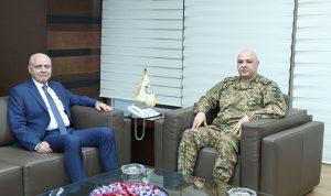 قائد الجيش بحث مع بانو الأوضاع العامة
