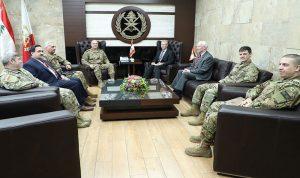 قائد الجيش عرض مع وفدين اميركي وفرنسي علاقات التعاون