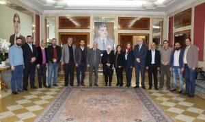 الحريري وعدت بمتابعة مطالب الأساتذة الثانويين والمتمرنين