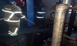إخماد حريق داخل معمل في سلعاتا