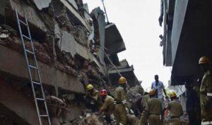 انهيار مصنع فوق عمال في مصر