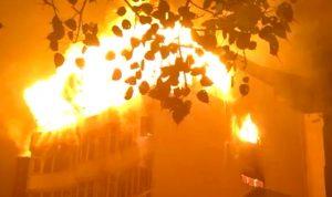 بالفيديو والصور:حريق يودي بحياة 17 شخصا في نيودلهي