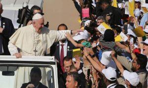 البابا فرنسيس بقداس تاريخي في الإمارات (بالصور والفيديو)