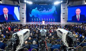 """بوتين يلوّح بنشر صواريخ تبلغ """"مراكز صنع قرار""""!"""
