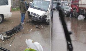 بالصورة: حادث سير كاد يؤدي لكارثة على طريق شتورة