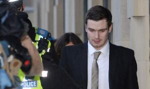 آدم جونسون خارج السجن بعد 3 سنوات