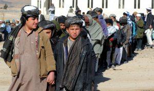 مقتل 4 طلاب وإصابة 17 بقصف وسط أفغانستان