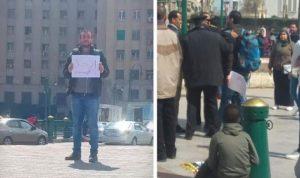 """أحمد تظاهر وحده في ميدان التحرير """"ارحل يا سيسي"""""""
