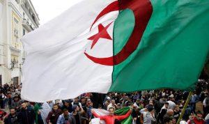 """بعد استقالة الرئيس الجزائري: """"رحل بوتفليقة وبقيت الجزائر"""""""