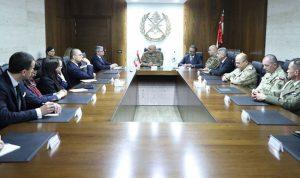 عون بحث ورئيس الأمن القومي البولوني علاقات التعاون
