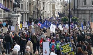 """مسيرة بريطانية حاشدة للمطالبة باستفتاء جديد لـ""""بريكست"""""""