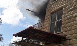 بالصور: حريق داخل شقة سكنية في عاليه