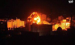 بالصورة والفيديو- استهداف مكتب إسماعيل هنية في غزة