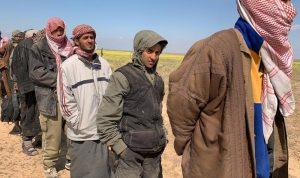 """بالصور: 400 """"داعشي"""" يسلمون أنفسهم في شرق دير الزور"""