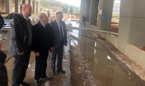 الخير تفقد أضرار جسر البالما في طرابلس