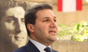 """نديم الجميل: """"الثوار الشرفاء مرحّب فين قدام بيتي وبداخله""""!"""