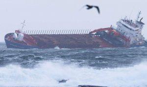النرويج أنقذت 397 من السفينة.. وألف مازالوا عالقين
