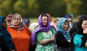 بالصور: نساء نيوزيلندا يرتدين الحجاب تضامنا مع ضحايا المسجدين