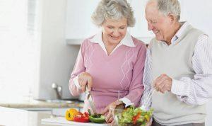 تعديلات غذائية تُواكِب التقدّم في العمر