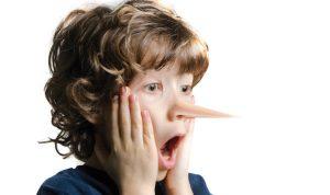 الفارق بين الكذب والخيال عند الأطفال