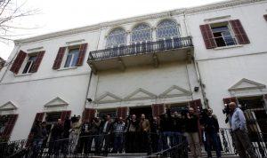 الإمارات تسجن لبنانيين وتمنع السفارة من زيارتهم