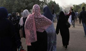 """""""أزمة فحولة بين السودانيين"""".. هذا ما قالته شاعرة عربية!"""