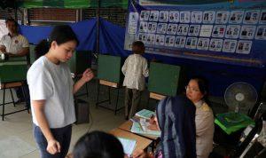 تايلاند تمنع الناخبين من التقاط الصور أثناء الاقتراع