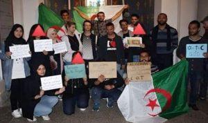 جزائريون متضامنون مع ضحايا سريلانكا (بالصور)