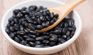 لماذا يجب تناول الفاصولياء السوداء بانتظام؟