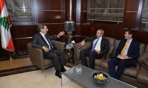 الفرزلي عرض مع السفير البريطاني الأوضاع العامة
