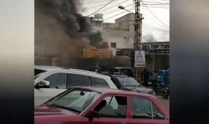 إخماد حريق داخل مطعم في حلبا
