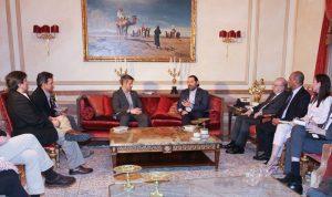 """واشنطن لمسؤولين لبنانيين: إلتزموا العقوبات على """"الحزب"""""""