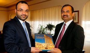 داوود عرض العلاقات الثنائية مع سفير بنغلادش