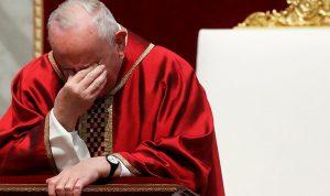 البابا يخصص قداس الجمعة العظيمة لمعاناة المهاجرين (بالصور)