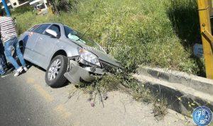 بالصور- جرحى بحادث تصادم على طريق عام مكسة