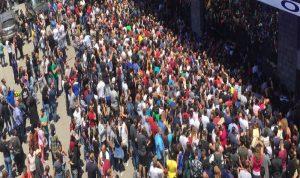 خاص IMLebanon: زحمة مواطنين خانقة… ماذا يجري في عمشيت؟