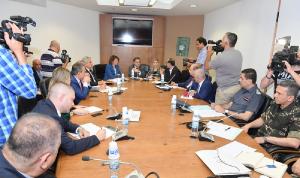 لجنة حقوق الإنسان استمعت إلى خطة الحسن لحل مشكلة السجون