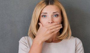 وسائل طبيعية للقضاء على رائحة الفم الكريهة