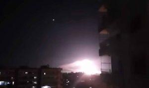 """اسرائيل تقصف مستودعات أسلحة لـ""""الحزب"""" في سوريا"""