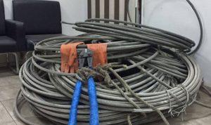 سرقة مئات الأمتار من الأسلاك الكهربائية في وادي العزية