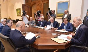 الفرزلي: جلسة المساءلة تفقد مبررها مع استقالة الحكومة