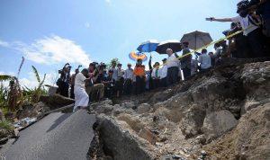 20 قتيلًا بزلزال شرق إندونيسيا