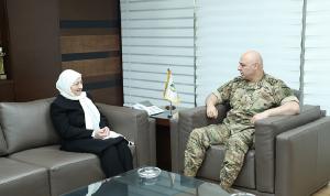 قائد الجيش عرض الأوضاع مع بهية الحريري