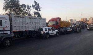 نقابات قطاع النقل البري: للاعتصام واقفال الحدود بالشاحنات