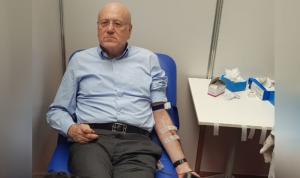 ميقاتي شارك بحملة التبرع بالدم للجيش في طرابلس