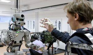 روسيا ترسل روبوتها المتطور إلى الفضاء